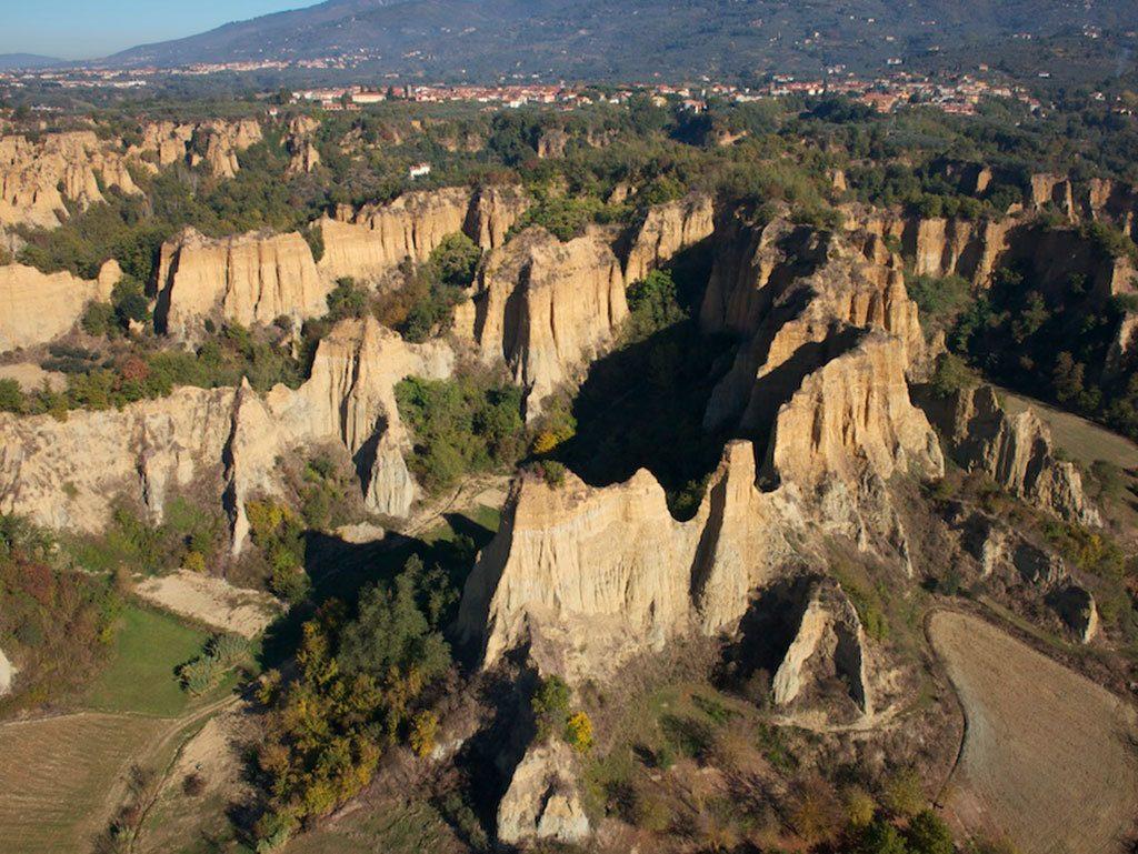 Le affascinanti Balze del Valdarno in Toscana - Poggitazzi
